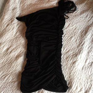 Dresses & Skirts - LBD 💃🏼